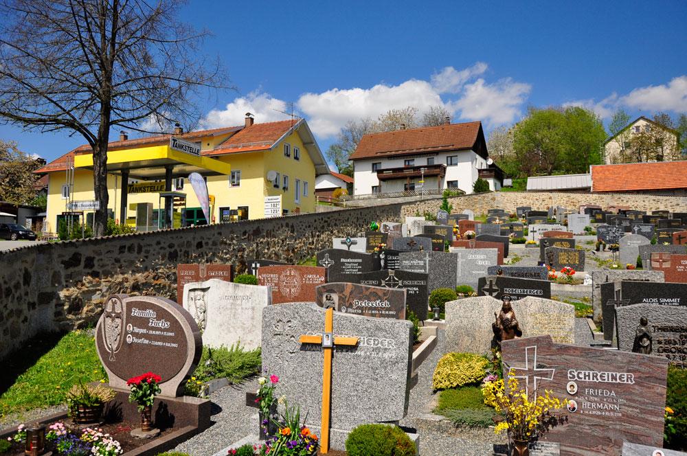 Friedhof_Neuschoenau_BAYERN_080516_08_WEB