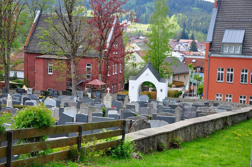 Friedhof_Zwiesel_BAYERN_080516_008_WEB