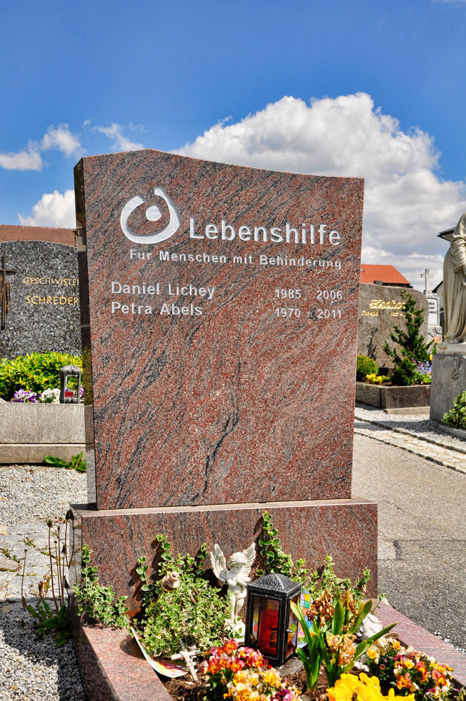 Friedhof_Zwiesel_BAYERN_080516_018_WEB