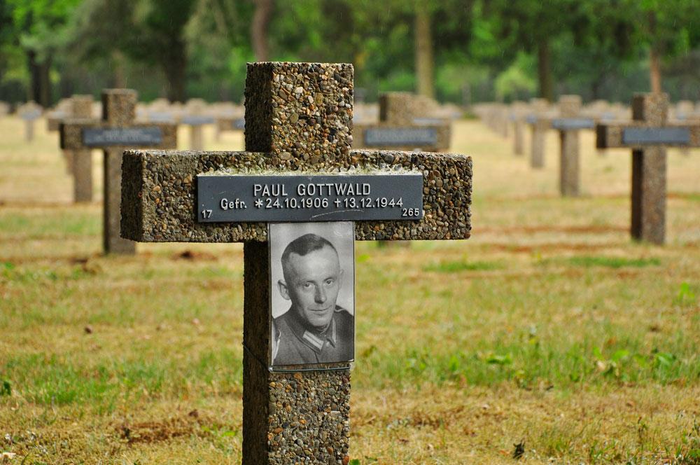 Soldatenfriedhof_Belgien_274_WEB