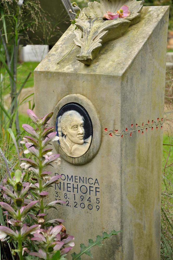 Hamburg_Friedhof_200917_Niehoff_0120