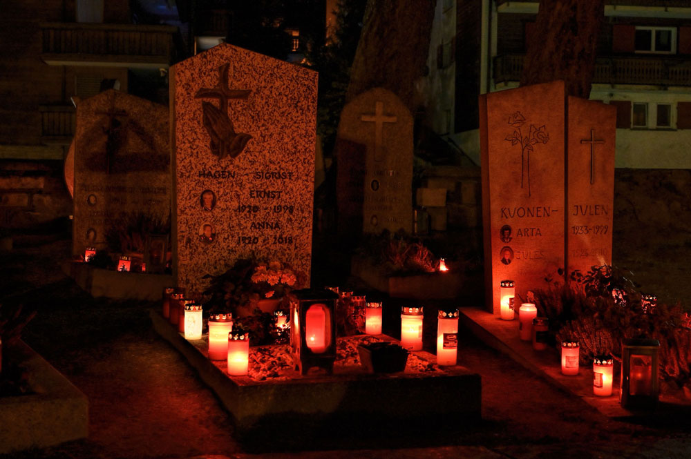 Friedhof Zermatt an Allerheiligen und Allerseelen