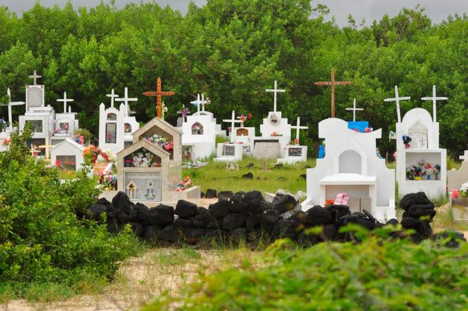 Friedhof in den Dünen - Insel Isabela (Galapagos)